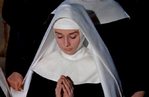 Audrey Kathleen Hepburn Ruston la Espiritu de Mujer y el renacimeinto de Santa Monica y La Virgen Maria